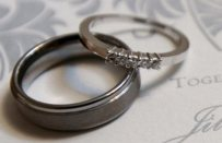 Онлайн-знайомства породжують більш щасливі шлюби - вчені.
